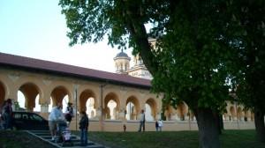 Catedrala Reîntregirii văzută din Poarta a IV-a