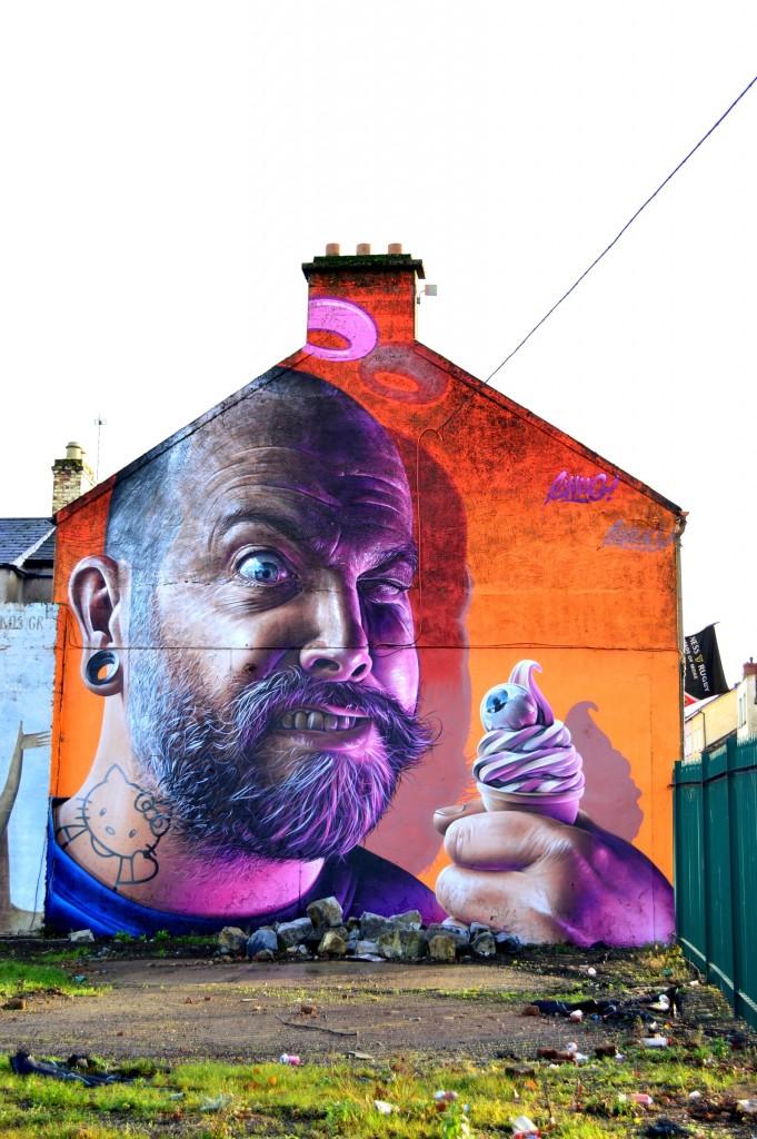 Wall art, aproape de centru #2